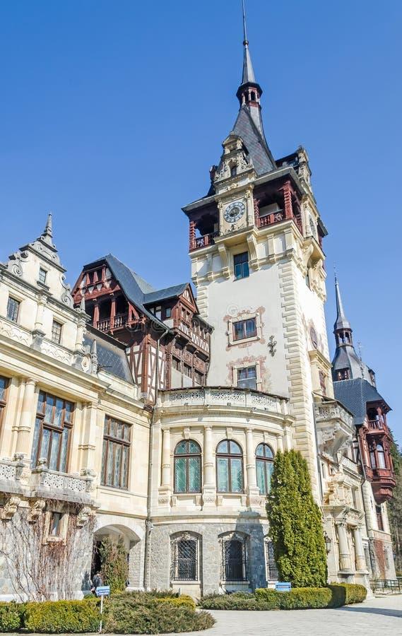 El castillo Peles, poseer por Regele Mihai (rey Michael) de Rumania, ahora trabajos como museo Sinaia rumania foto de archivo libre de regalías