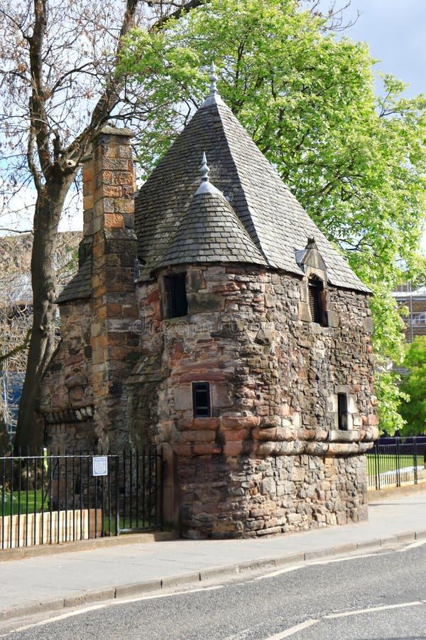 El castillo por el lado del camino fotografía de archivo