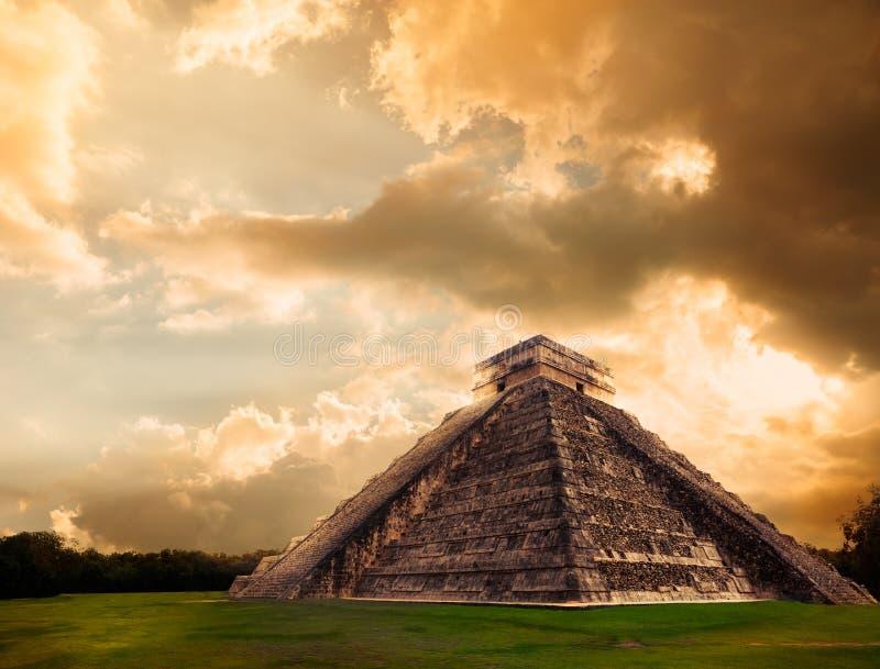 El Castillo pyramid in Chichen Itza, Yucatan, Mexico stock photos