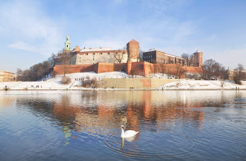 El castillo real histórico de Wawel imagenes de archivo