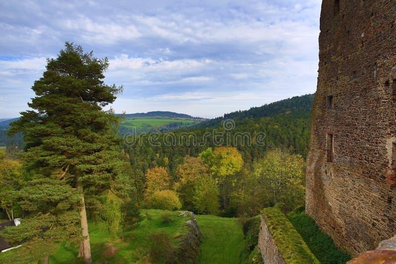 El castillo romántico de Velhartice Situado en el bosque bohemio, el castillo fue poseído por el ek del ¡de BuÅ de Velhartice foto de archivo libre de regalías