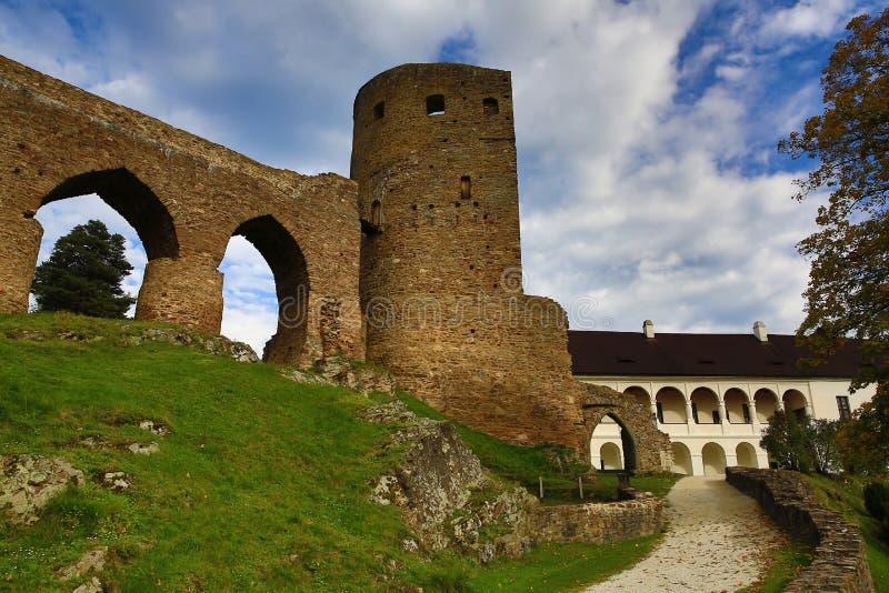 El castillo romántico de Velhartice Situado en el bosque bohemio, el castillo fue poseído por el ek del ¡de BuÅ de Velhartice imagenes de archivo