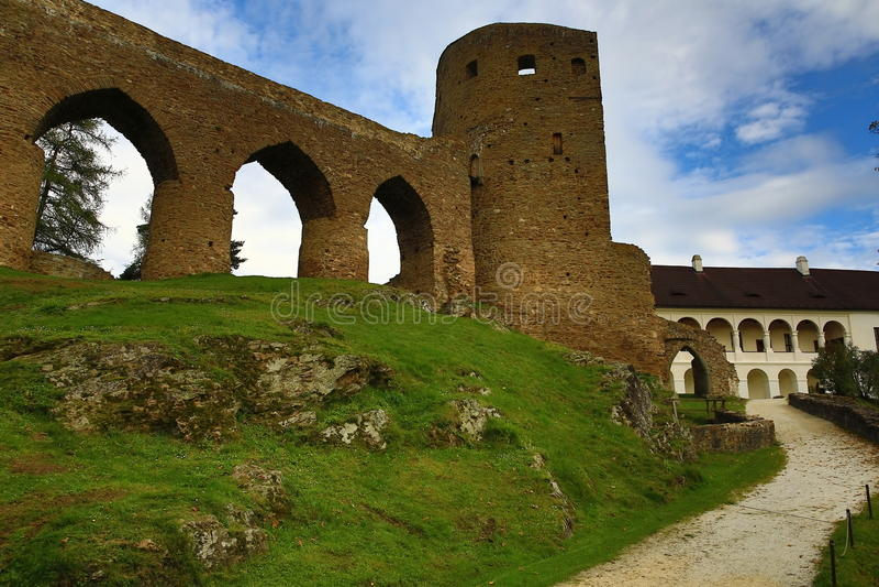 El castillo romántico de Velhartice Situado en el bosque bohemio, el castillo fue poseído por el ek del ¡de BuÅ de Velhartice imagen de archivo libre de regalías