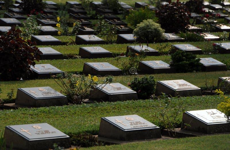 El cementerio de la guerra de Don-Rak del cementerio de la guerra de Kanchanaburi fotos de archivo libres de regalías