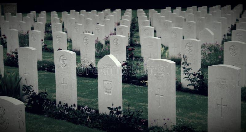 El cementerio inglés de la guerra WW2 en Bayeux fotos de archivo