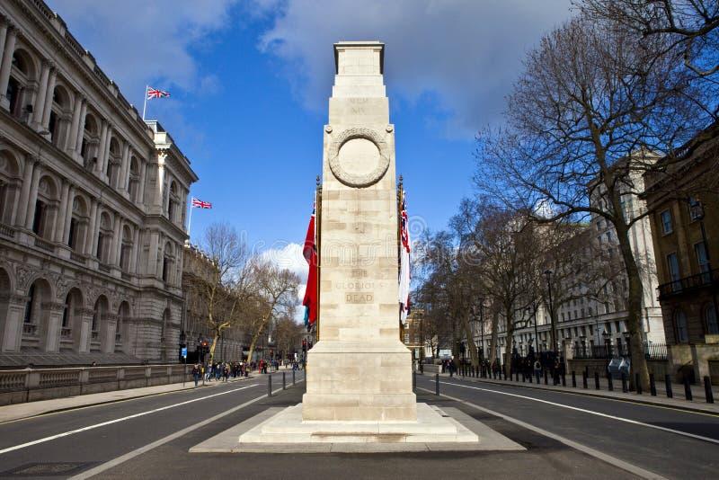 El cenotafio abajo Whitehall en Londres foto de archivo libre de regalías