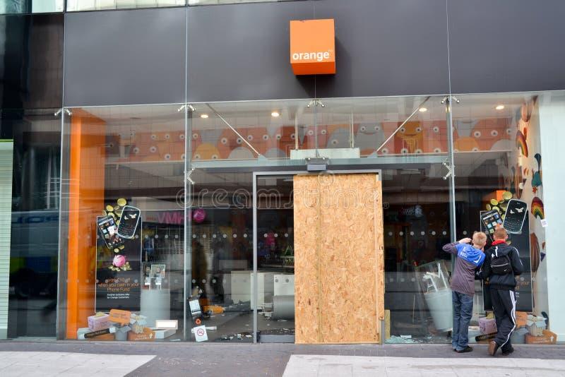 El centro de Birmingham-Inglaterra se desenfrena 2011-Orange imágenes de archivo libres de regalías