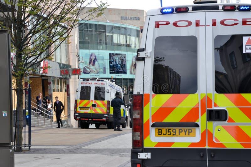 El centro de Birmingham-Inglaterra se desenfrena 2011-Police foto de archivo libre de regalías