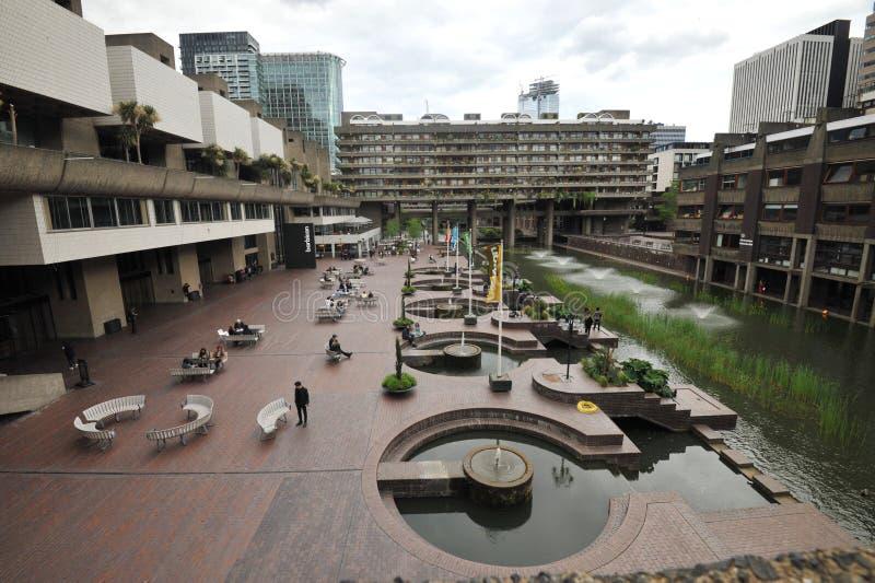 El centro de la barbacana, las artes interpretativas se centra en el estado de la barbacana de la ciudad de Londres foto de archivo
