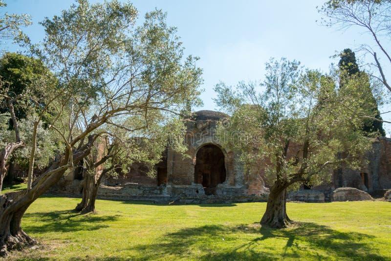 Download El Chalet De Hadrian, Chalet Del Roman Emperor El ', Tivoli, Fuera De Roma, Italia, Europa Foto de archivo - Imagen de viejo, emperador: 64212374