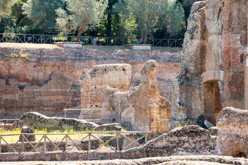 Download El Chalet De Hadrian, Chalet Del Roman Emperor El ', Tivoli, Fuera De Roma, Italia, Europa Foto de archivo - Imagen de mármol, italia: 64212740