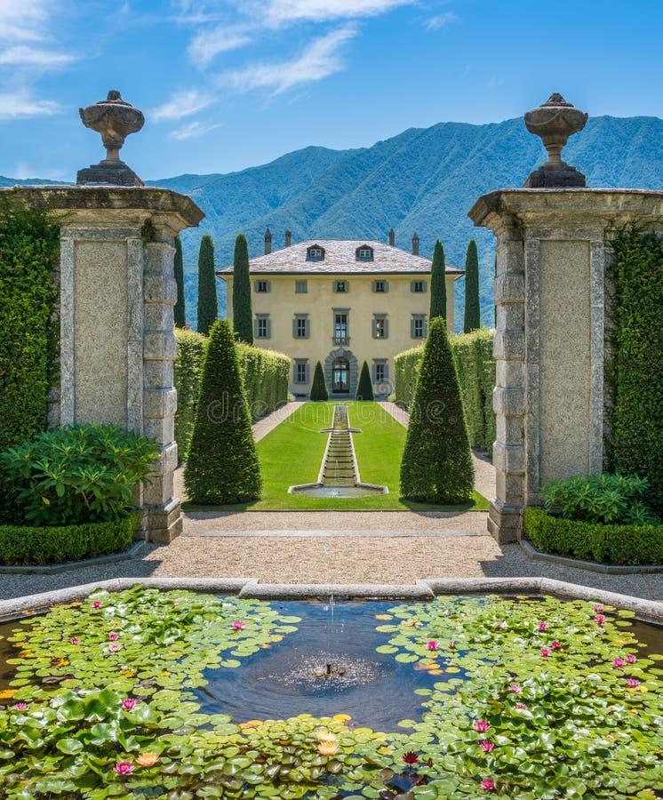 El chalet hermoso Balbiano en Ossuccio, en el lago Como, Lombardía, Italia imagen de archivo libre de regalías