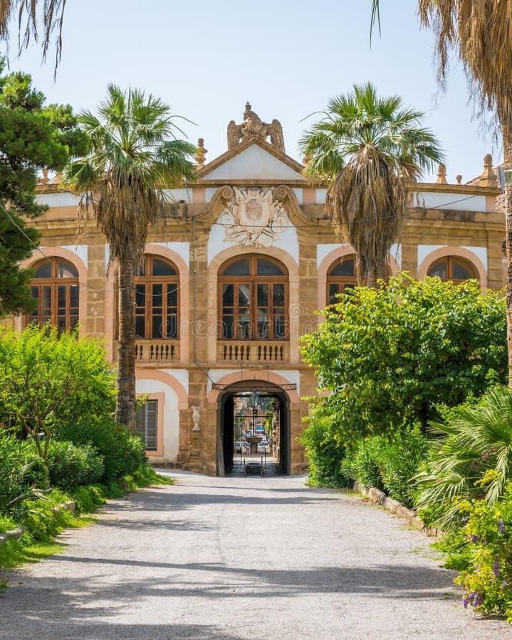 El chalet hermoso Palagonia en Bagheria, cerca de Palermo Sicilia, Italia imagen de archivo