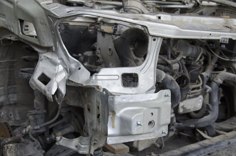 El chasis deformado de un coche estrellado imagen de archivo libre de regalías