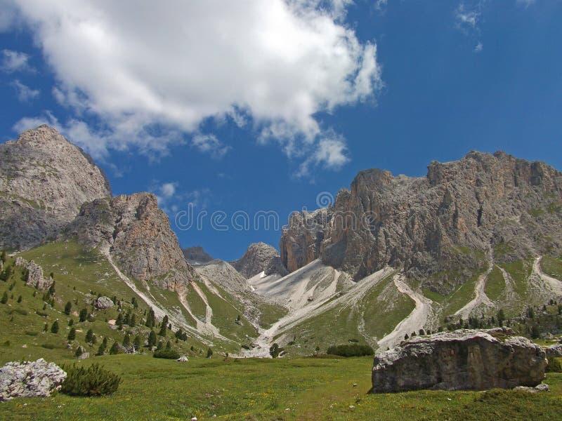 El cielo de la alta montaña dolomiten Italia foto de archivo libre de regalías