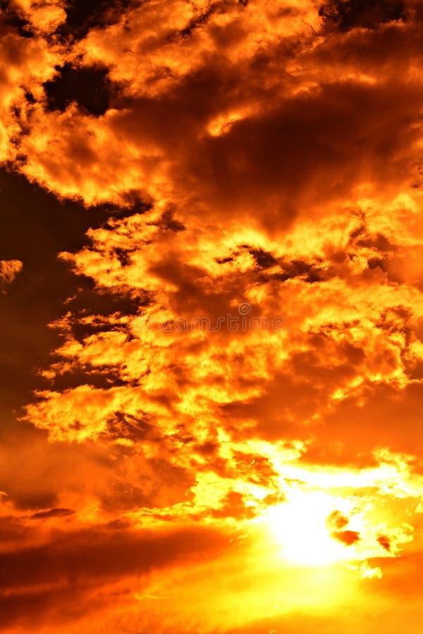 El cielo de la tarde imagen de archivo libre de regalías