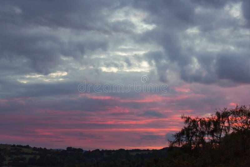 El cielo está quemando fotografía de archivo