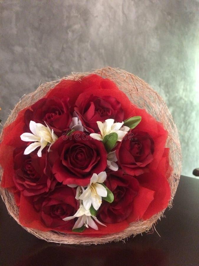 El cierre para arriba subió ramo de la flor del flor, concepto de la tarjeta del día de San Valentín del amor foto de archivo
