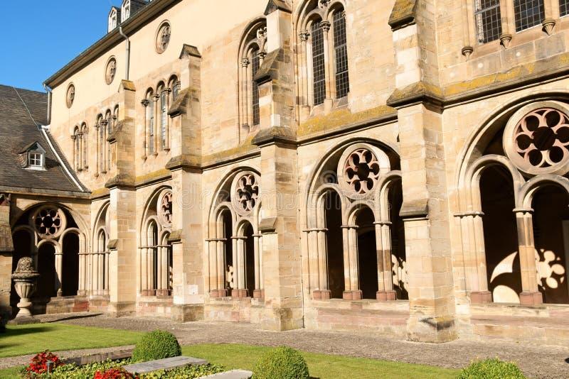 El claustro de la catedral del Trier, Alemania imagen de archivo