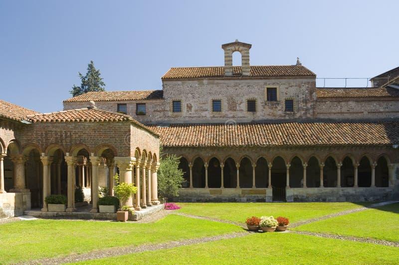 El claustro de San Zeno, Verona. imagen de archivo libre de regalías