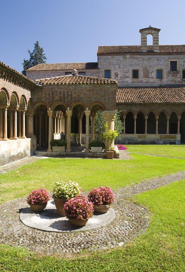 El claustro de San Zeno, Verona. fotografía de archivo libre de regalías