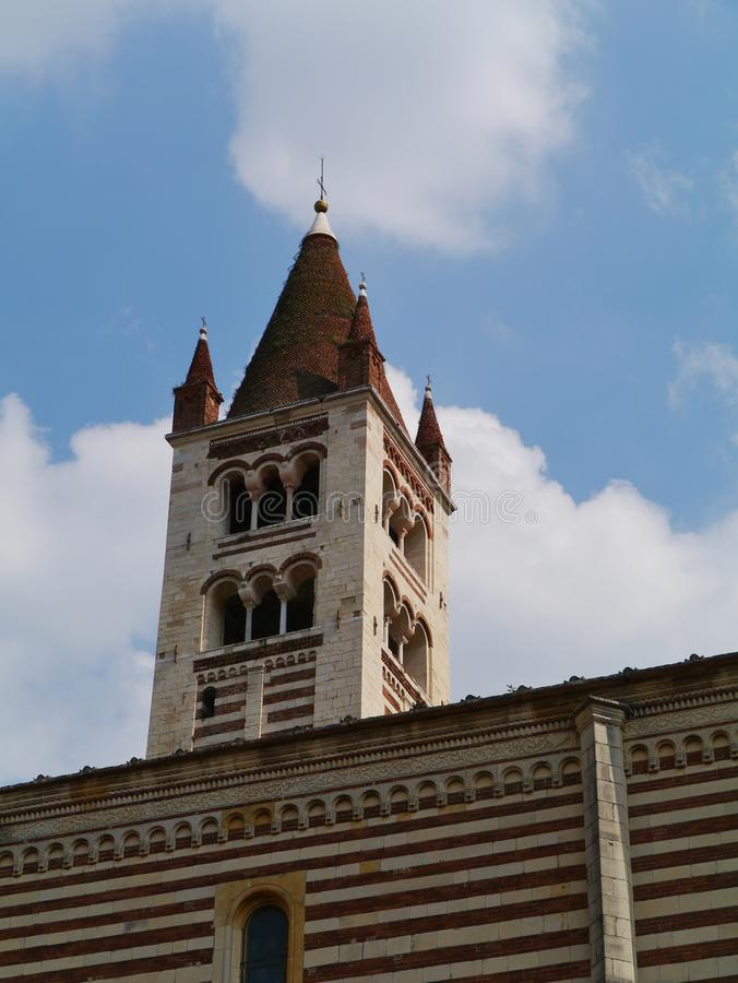 El claustro del San Zeno en Verona en Italia imágenes de archivo libres de regalías