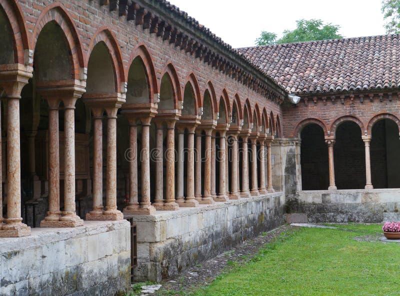 El claustro del San Zeno en Verona en Italia imagenes de archivo