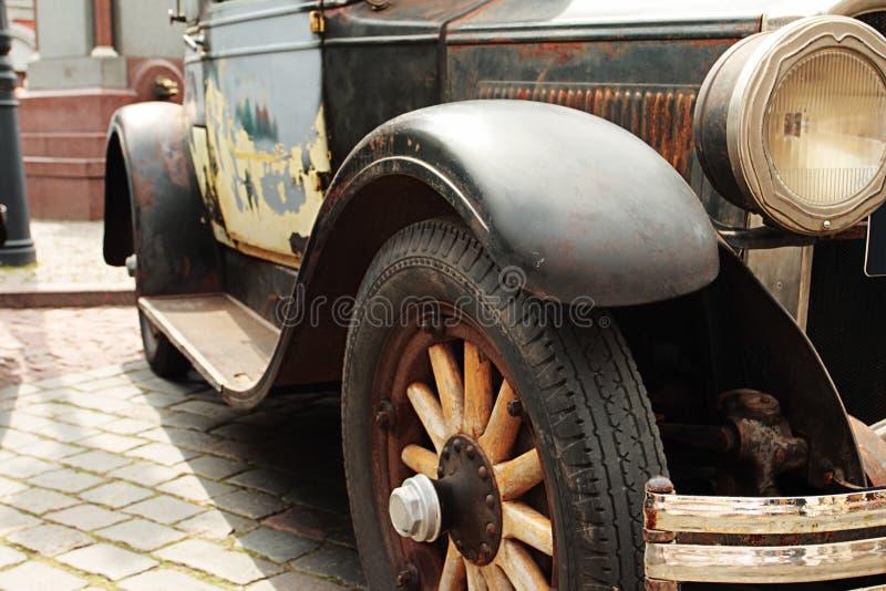 El coche antiguo imagen de archivo libre de regalías