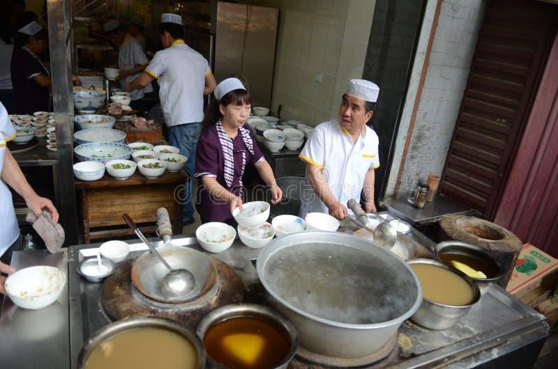 El cocinar chino de la calle imagenes de archivo