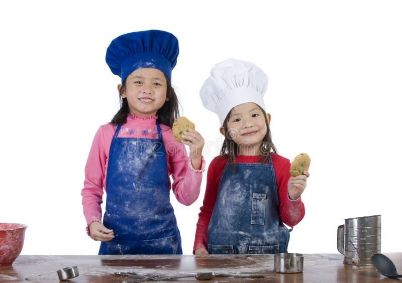 El cocinar de los niños fotos de archivo libres de regalías