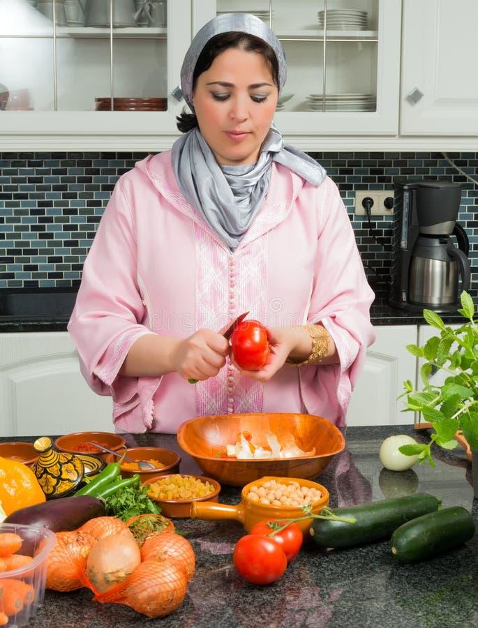 El cocinar para el Ramadán fotos de archivo