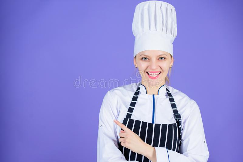El cocinero recomienda intentar algo Mis extremidades secretas culinarias Cocinar el empleo f?cil y agradable Cocinero convertido fotos de archivo
