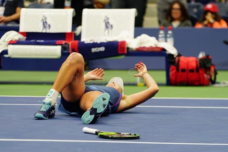 El Coco 2018 del campeón de los dobles de las mujeres del US Open Vandeweghe de Estados Unidos celebra la victoria después de su  fotos de archivo