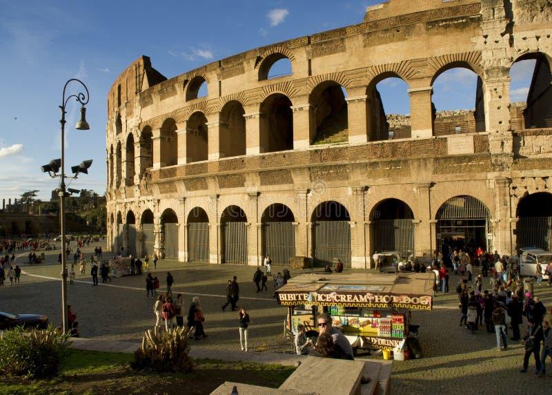 El coliseo, Roma Italia imagen de archivo libre de regalías