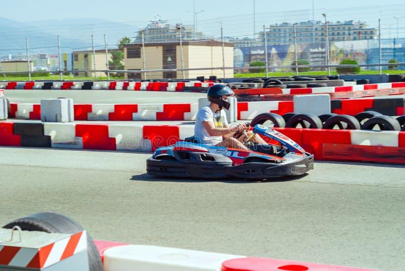 El competir con aficionado del kart fotos de archivo