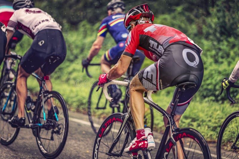 El competir con de la bici del camino imagenes de archivo