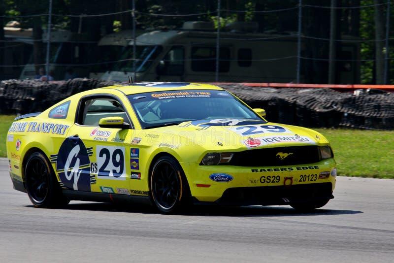 El competir con de los deportes de Ford Mustang fotos de archivo