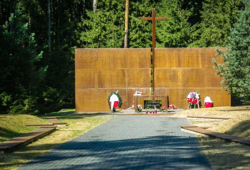 El complejo conmemorativo en Katyn en la región de Smolensk de Rusia imagen de archivo libre de regalías