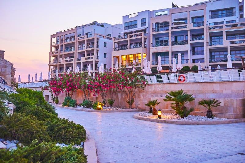 El complejo moderno del hotel en la península del punto de Tigne, Sliema, Malta imagenes de archivo