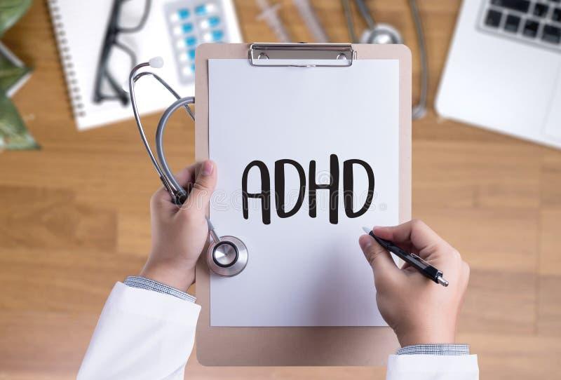 El CONCEPTO de ADHD imprimió la hiperactividad d del déficit de atención de la diagnosis fotografía de archivo