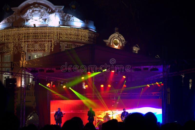 El concierto vivo de Noche Vieja fotografía de archivo