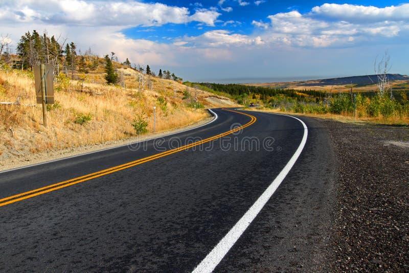 El condado de Glacier Montana Roadway fotografía de archivo