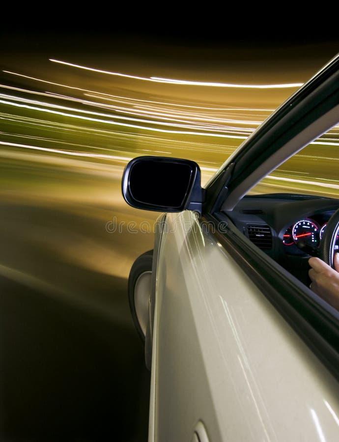 El conducir de la noche imagen de archivo libre de regalías