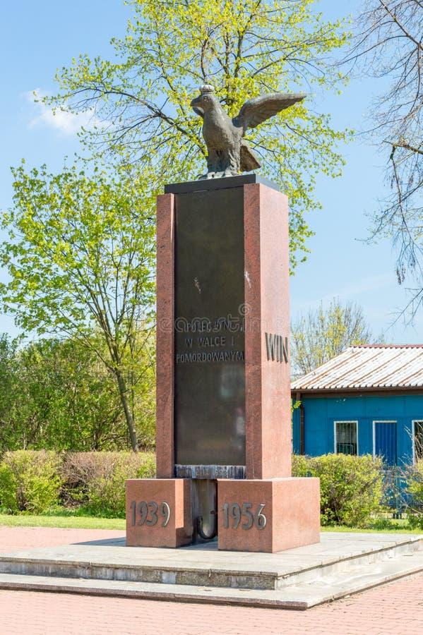 El conmemorar del monumento caido en la batalla y asesinado del ejército casero polaco y libertad e independencia 1939-1956 fotografía de archivo libre de regalías