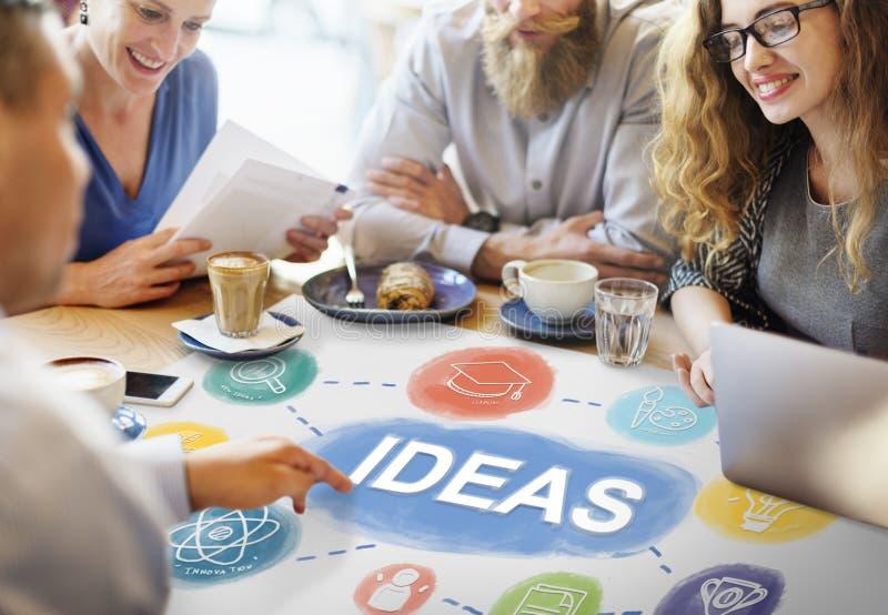 El conocimiento del intercambio de ideas creativo se imagina para pensar concepto imagen de archivo libre de regalías