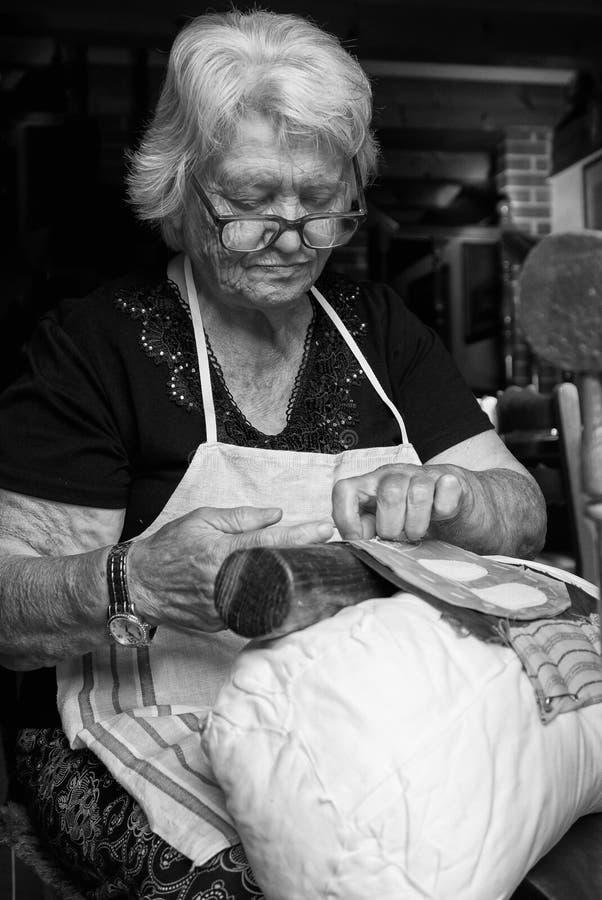 El cordón centenario de la aguja de la artesanía de Burano imagen de archivo libre de regalías