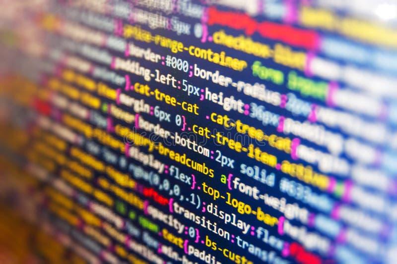 El corregir del código de los dígitos binarios Prevención del pirata informático de la seguridad de Internet Desarrollador móvil  fotografía de archivo