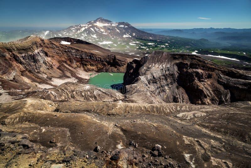 El cráter del volcán de Gorely, Kamchatka foto de archivo libre de regalías
