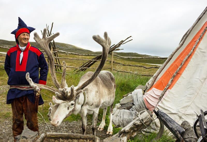 Criador de los ciervos y del reno fotografía de archivo libre de regalías