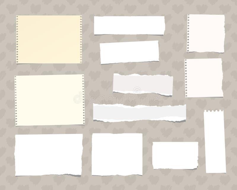 El cuaderno blanco rasgado, papel de nota se pegó en el modelo creado de formas del corazón libre illustration